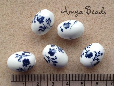 Ceramic Beads ~ 18m Oval Navy Flowers x 10 pcs